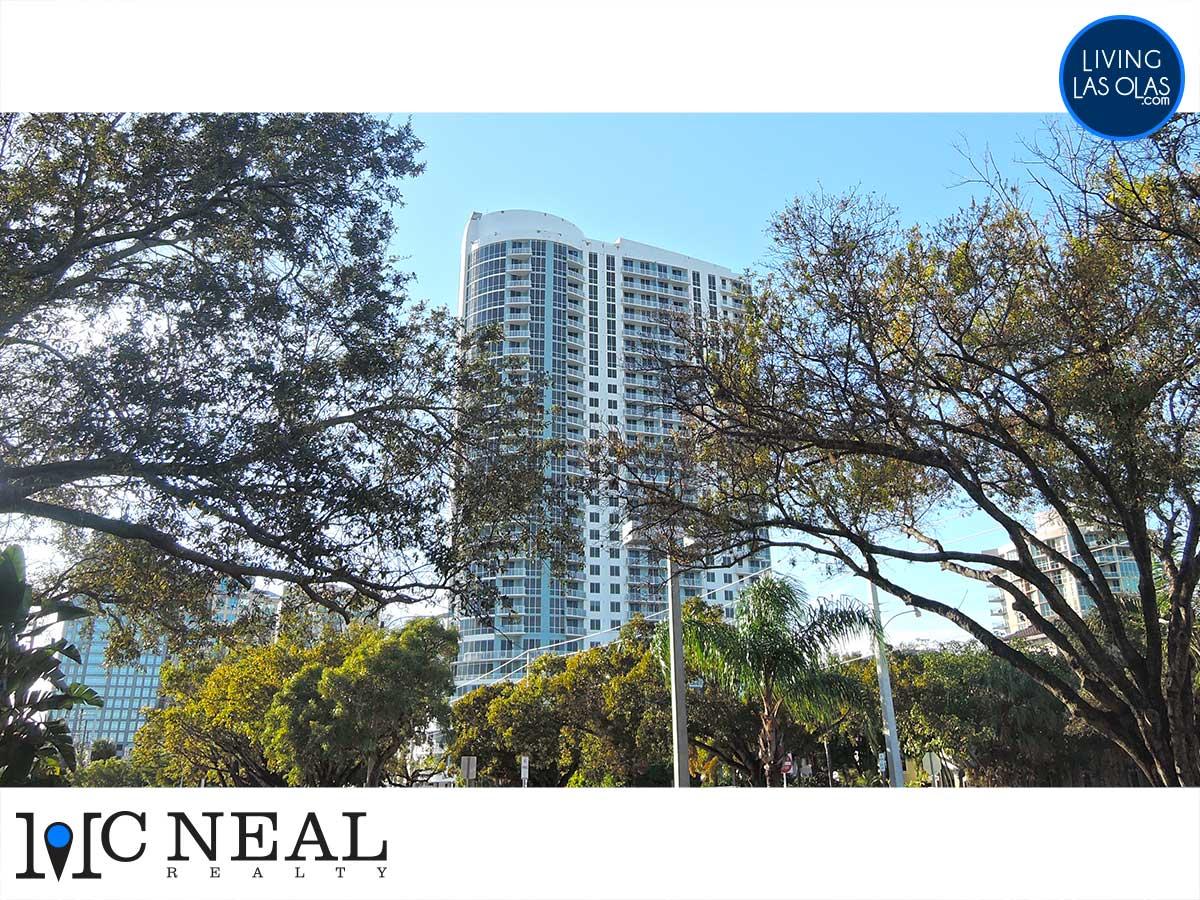 Amaray Las Olas Apartments 02