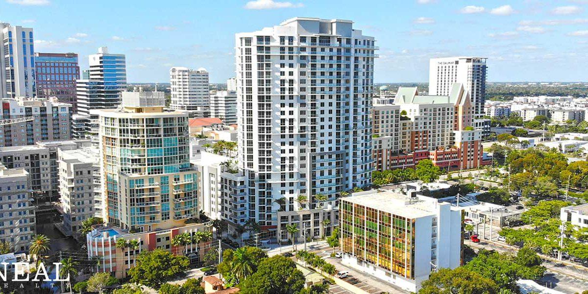Laureat Las Olas Apartments Hero