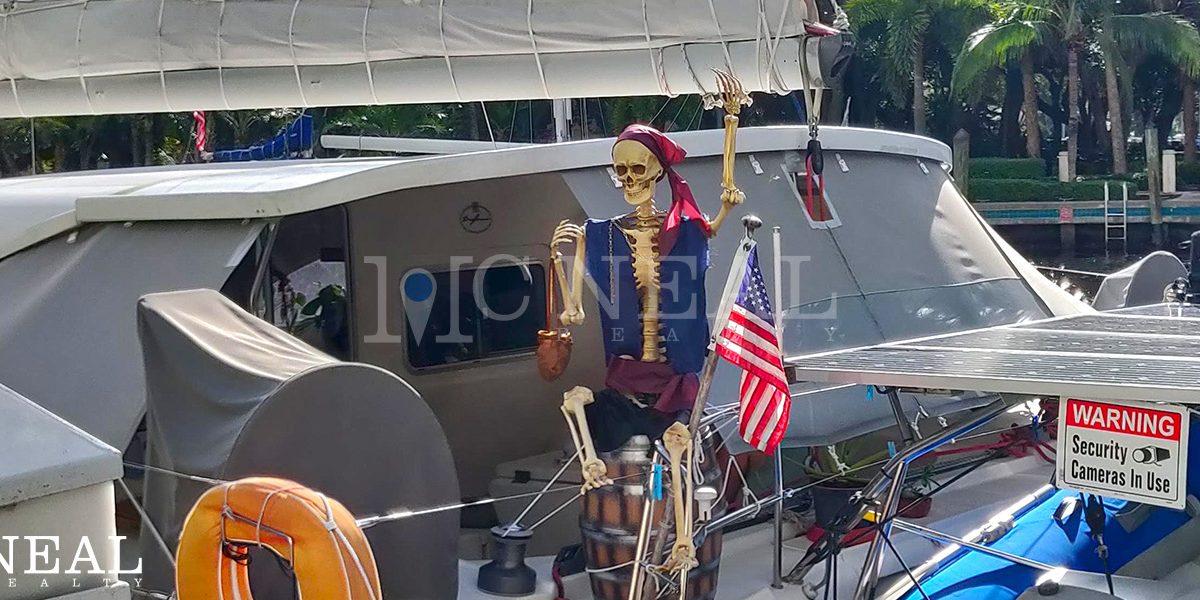 Halloween On The New River | Las Olas Blvd